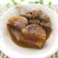 醤油を使わずシンプルに♪大根と鶏のお酢煮