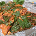 トマトソース缶で10分以内☆ トマトとセロリの葉のチヂミ