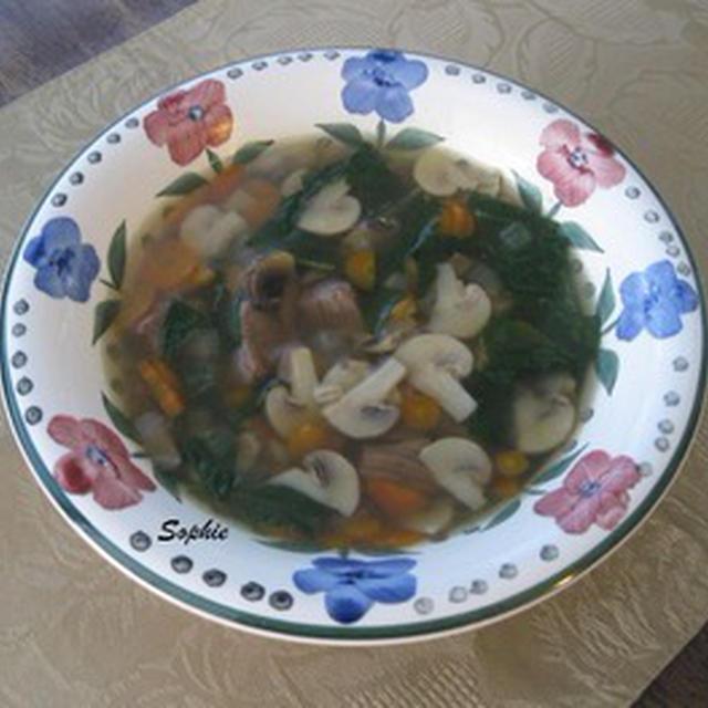 マシュルームと牛肉とバーレーのスープ