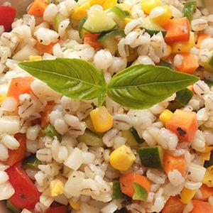 ヘルシーで栄養満点!麦のサラダ5選