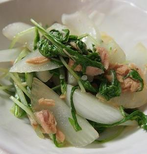 ツナと新玉たまねぎと水菜のさっと炒め