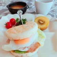 休日朝ごはん♪〜ずっと新鮮 EXヴァージンオリーブオイル