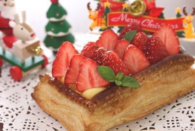 クリスマスに★ 苺のカスタードパイ♪
