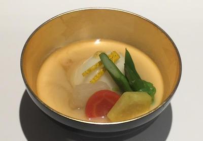 青葉区 たまプラーザの 正月 に御節と楽しむ 『京風白味噌雑煮』