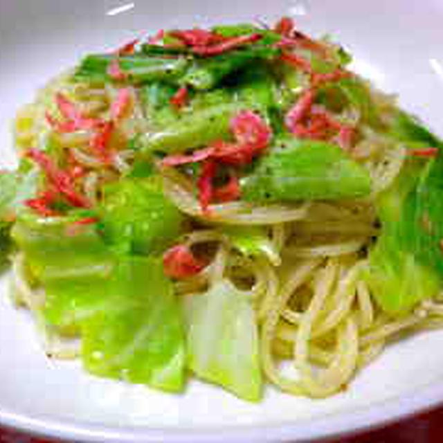 レシピ「春キャベツと桜エビの塩麹ペペロンチーノ」