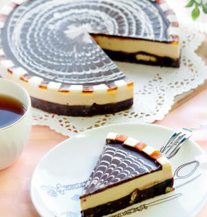 チョコとキャラメルムースのケーキ