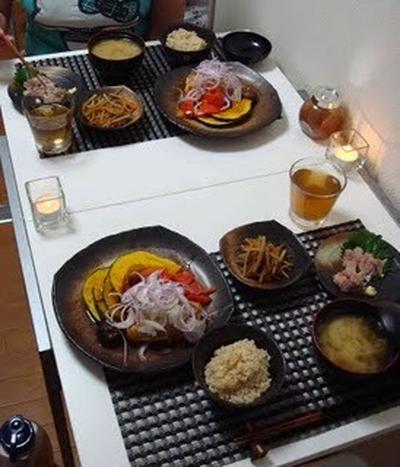 お豆腐のステーキ、アジのお刺身、きんぴらごぼうとお味噌汁(Tofu Steaks, Sashimi,  Stir-Fried Burdock, and Miso Soup)