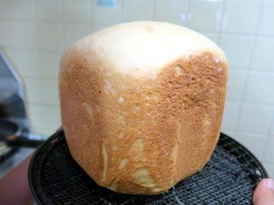 HB(ホームベーカリー)で作る、木綿豆腐丸ごと1丁使った「豆腐パン」