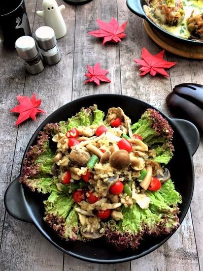 秋の香り~♪ヘルシーなきのこたっぷり玄米サラダ