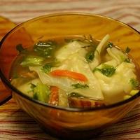 蒸し大豆のワンタンスープ