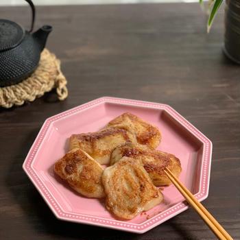 お餅活用♪ フライパンで簡単!カリッとバター醤油餅