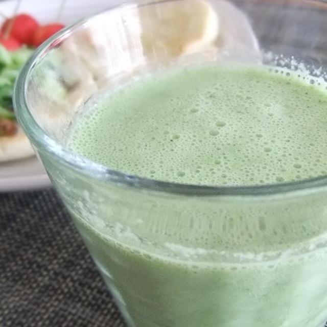 今朝のジュースのレシピです☆ほうれん草とヨーグルト
