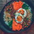【ひき肉消費】3種のナムルを使ったスキレット焼ビビンバの作り方