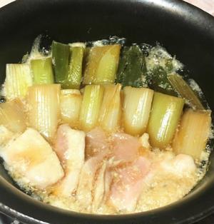 鶏むね肉でねぎま鍋風。マグロを使わなくてもおいしい経済的おつまみ。