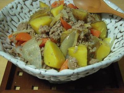>インカのめざめと豚挽き肉の炒め煮 by うさうささん