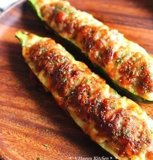詰めてトースターで焼くだけ*ズッキーニの肉詰めマヨチーズボード