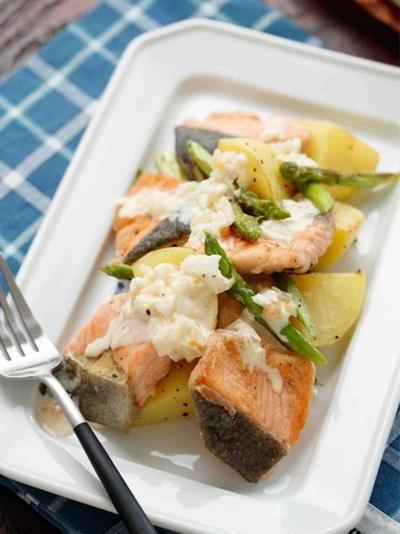 鮭とポテトのタルタルソースがけ【#簡単 #時短 #節約 #下ごしらえ #仕込み #朝仕込み #主菜】