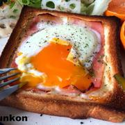 【簡単!!朝ごはん】食パンで*とろとろベーコンエッグトーストと、ハイハイ