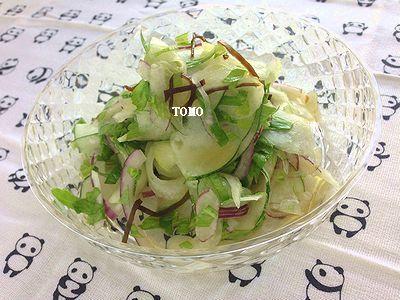 簡単♪はぐら瓜とセロリの塩コンブ和え(きゅうりで代用可能♪)