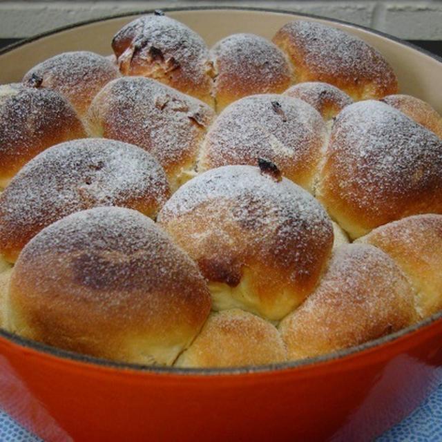 アップルパイの味 くるみとりんごのちぎりパン作って見ましたよ(^^♪