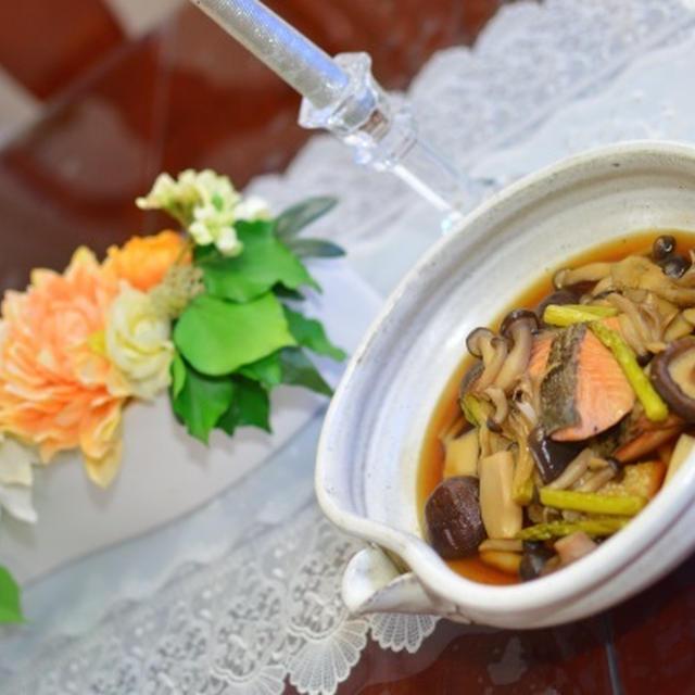 秋鮭とキノコの煮物