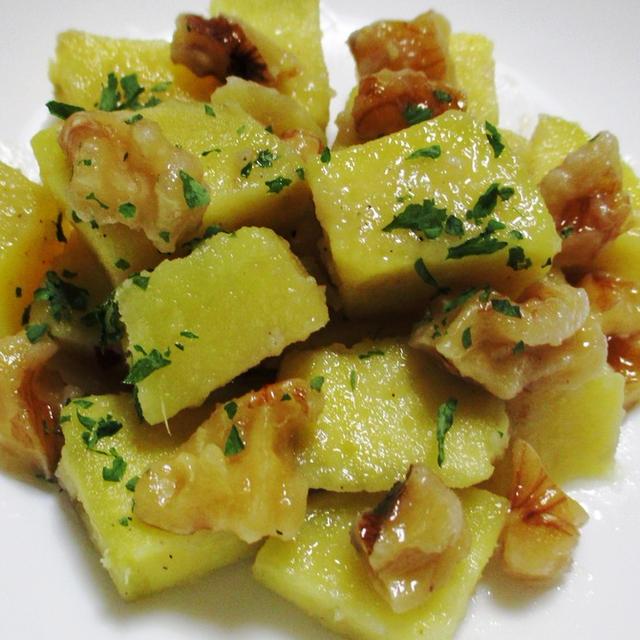 サツマイモと胡桃(くるみ)のサラダ