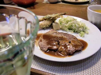 【ポークソテー】の定食♪治一郎のバウムクーヘン付き