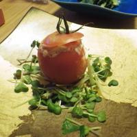 トマトファルシー たまごを詰めました(^_-)-☆