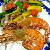 有頭赤海老と野菜のガパオ味炒め