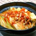 寒い〜夜はあるもので簡単、アツアツ、すぐ出来て本格的なPREMIUM鍋つゆのキムチチゲ。