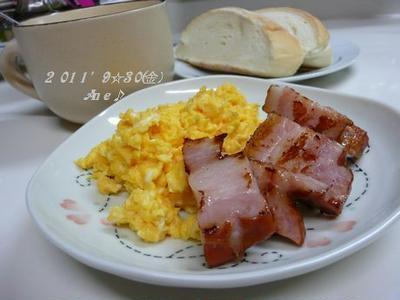 米粉パン&スクランブルエッグ