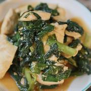 【簡単!メインおかず】基本の材料2つで作る鶏むね肉とニラのカレー風味中華炒め