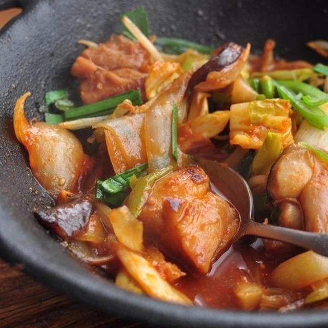 鶏肉とたっぷり野菜の蒸し焼き ~タッカルビ風~