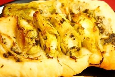 季節野菜で2種のフォカッチャ、ブリのステーキミニトマト醤油ソースでと国産白のマリアージュ