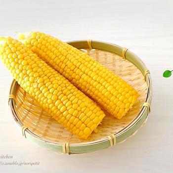 【農家さん直伝の裏技】トウモロコシ皮付きレンチンでスポッ‼︎と皮むき