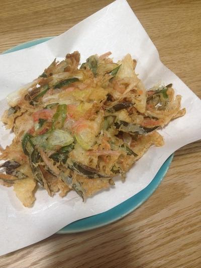 天ぷらうどんが無性に食べたい 「紅ショウガのかき揚げ」
