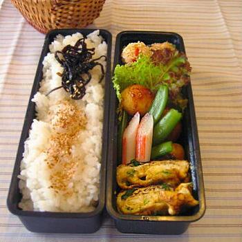 揚げない鮭コロッケのお弁当【パパッと夫弁当】