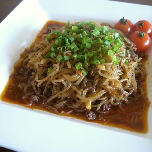 【簡単レシピ】挽き肉と白滝のピリ辛炒め♪