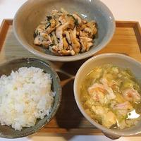 汁も菜もだしパックで「鶏胸肉の和風炒め+エビ汁」〈ヤマキだし部〉