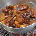炭火で作る『干し椎茸の煮物』
