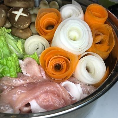 【体験シリーズ】 お野菜もキノコもたっぷり入れて☆美味い☆無限ごま油鍋を作ってみた☆