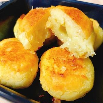 【ヘルシーおやつ】材料3つで簡単!カリッと!さつまいもチーズドッグ