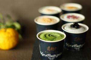卑弥呼醤油×ミルク、柚子×ジンジャーなど、他では味わえない和テイストのアイスが6種類。色鮮やかで視覚...