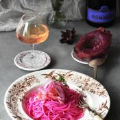 たらこと梅肉とピタヤのピンクな冷製パスタ