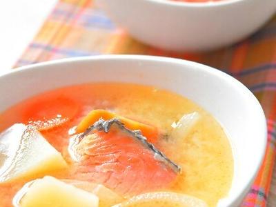 >石狩鍋風、味噌バタースープのレシピ by ジンジャーやまざきさん