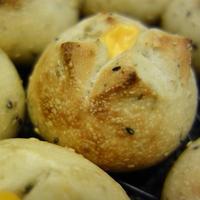 ごまチェダーチーズのパン・息子のうんち・旦那さんの試合♪