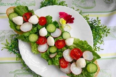 新鮮野菜の水玉オープンサンド♪