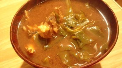 野郎飯の今日の味噌汁(八丁×信州)法蓮草・舞茸・豆腐