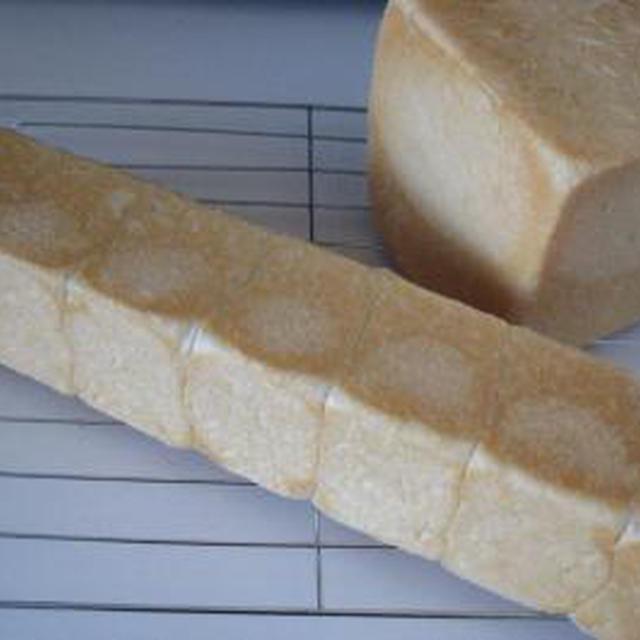 サイコロ食パンとロングスリム