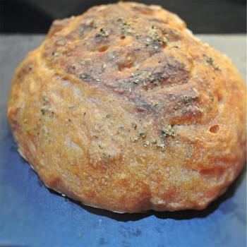 こねない、簡単!!簡単、1日冷蔵庫で放置の低温熟成発酵のトマトパン